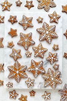Le mie idee utili per Natale http-::domesticgothess.com:blog:2016:12:23:gingerbread-topped-christmas-cake: