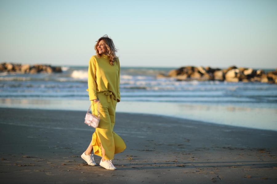 Giallo come indossare il colore della primavera estate 2019 Natasha Stefanenko 2