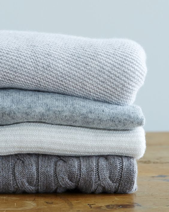 Как сохранить одежду и аксессуары, шерсть