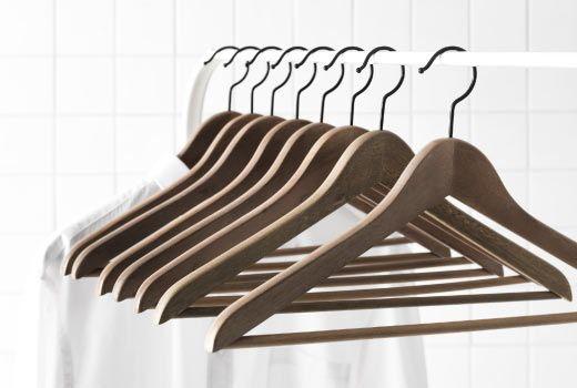 Как сохранить одежду и аксессуары, вешалки