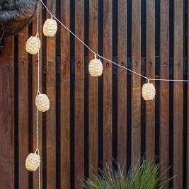 idee per vivere all'aperto luci