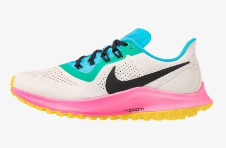 5 accessori low cost must have per l'estate 2019 sneakers 1