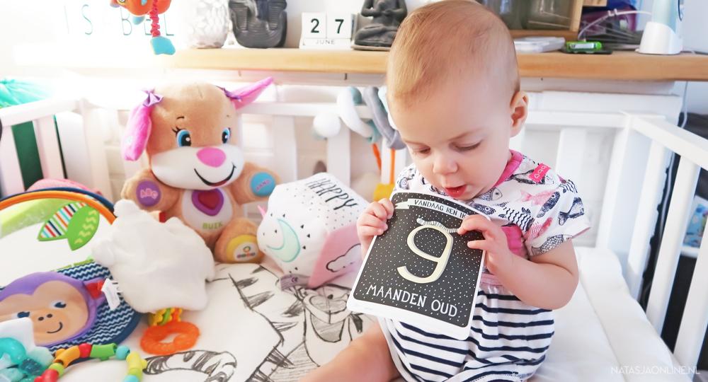 Isabelle 9 maanden + net zo lang uit de buik als dat ze er