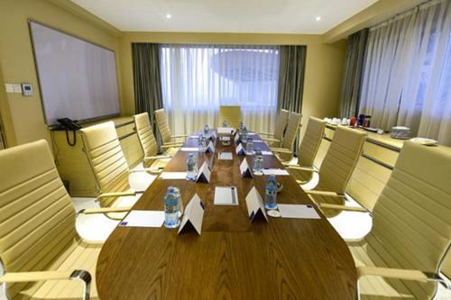 Naguru Skyz Hotel Meetings and conferences