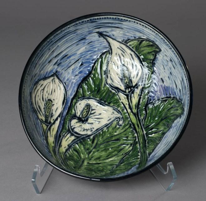 bowl (calla lily) inside