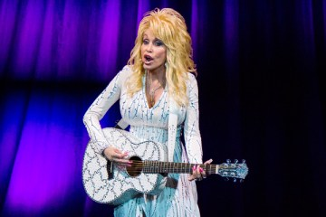 Header-DollyParton-VanAndelArena-GrandRapids-MI-20160806-JohnReasoner
