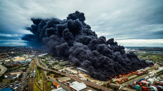 """Warehouse Fire"". ""Warehouse Fire"" (Fuego de almacén)"