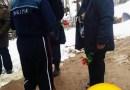 Bocitoarele din cimitir au imprumutat uniforma Politiei Romane