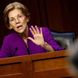 Elizabeth Warren Is Trying to Have It Both Ways | National Review