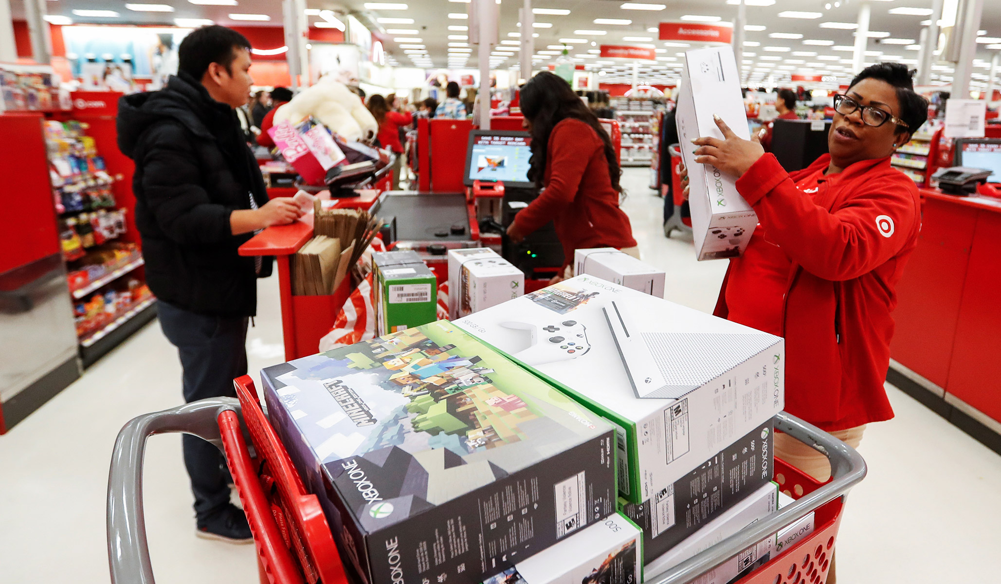 Target Cuts Workers' Hours after Vowing to Raise Minimum Wage to $15 By 2020