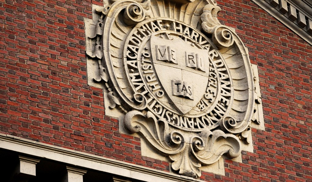 Harvard, MIT Sue ICE over International Student Policy