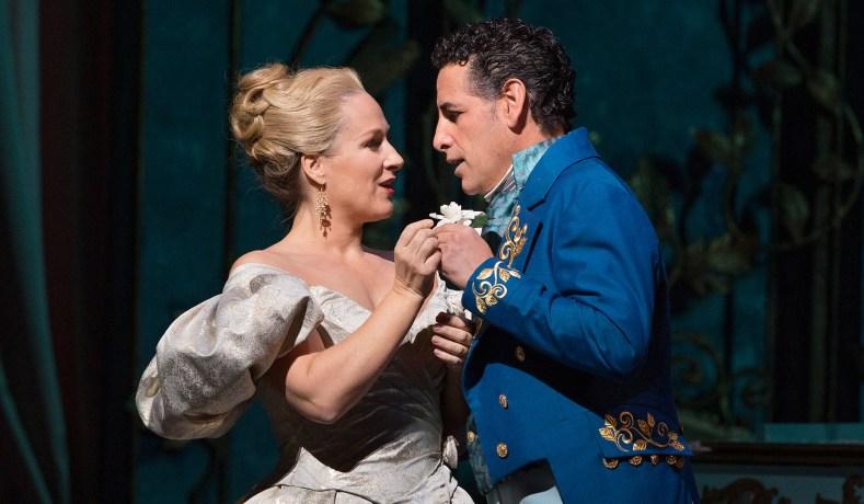 Nézet-Séguin Impresses in His Met Debut, with La Traviata