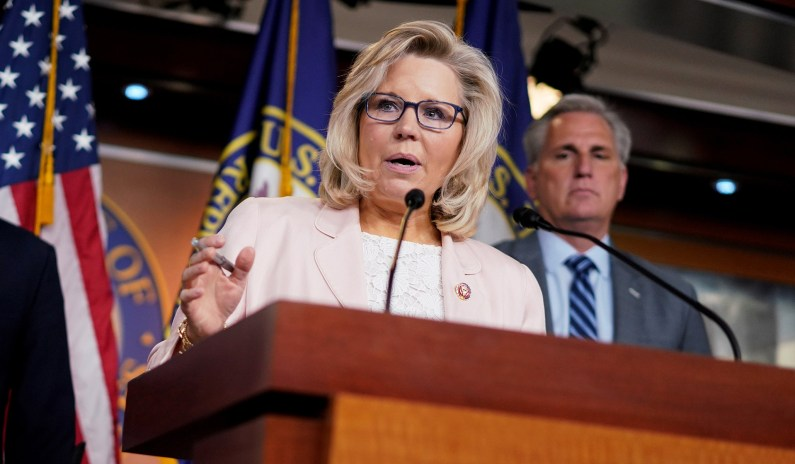 Cheney Refuses to Apologize to Caucus for Impeachment Vote, Retains McCarthy's Backing thumbnail