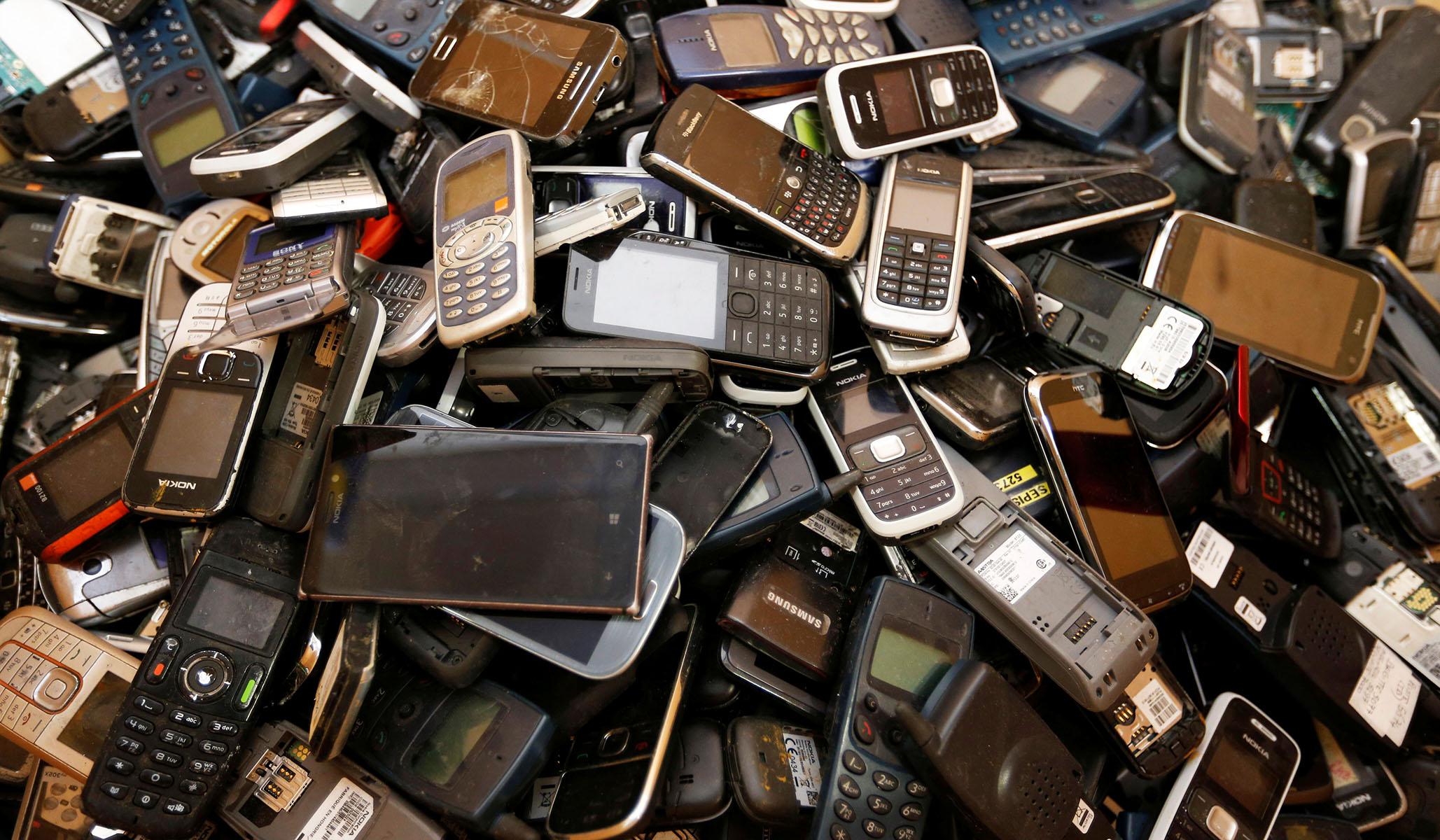 Leaked Data Set Reveals Individual Tracking of 12 Million Phones