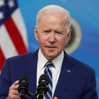 Biden Says States Should Pause Reopening Efforts