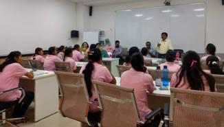 mahindra&_mahindra_pink_collars_for_iti_women_