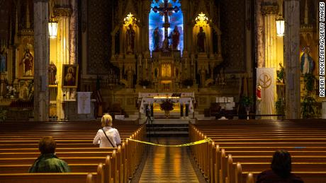 US Supreme Court blocks Cuomo's restrictions on limiting worshippers