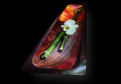 Collection de plats décoratifs modernes et riches en couleurs. Pièces de décoration originaires d'Amérique du Sud