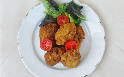 Frittelle di Melanzane, uvetta e pecorino