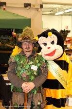 Waldgeist Gästeführer mit Gartenbiene Gabi