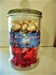Bonbonniere cadeau 100 perles d'huile de bain coeurs dans les étoiles parfum vanille fraise rose pomme et mure de fabrication Française
