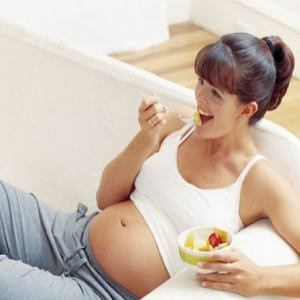 Essential Nutrients & Vitamins For Pregnancy