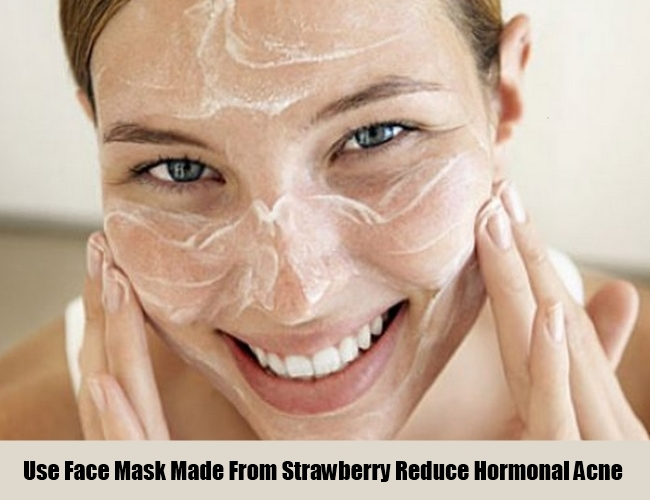 Use Face Mask Made From Strawberry For Hormonal Acne
