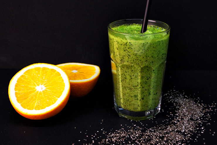 Kefir-Spinach-Drink with chia seeds – the great power of small seeds - The Drink