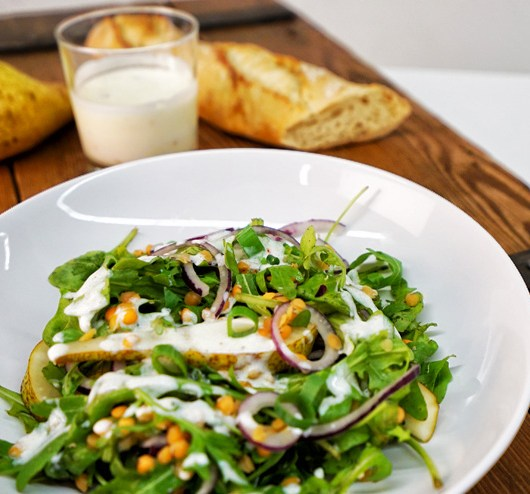 Rocket salad with kefir and lentils - a great salad for BBQ
