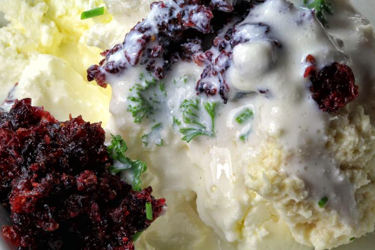 Kefir Cranberry Frischkäse mit Petersilie und Meerrettich - eine Frühstücksidee mit Milchkefir - Der Kefir