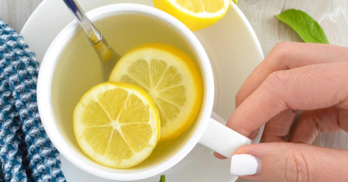 dimagrire con acqua e limone al mattino