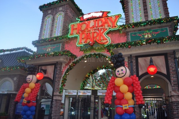 """""""Holiday In The Park"""" """"Six Flags Over Georgia"""" """"Christmas"""" """"Happy Holidays"""""""