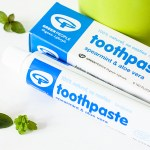 Green People Children Spearmint and Aloe Toothpaste
