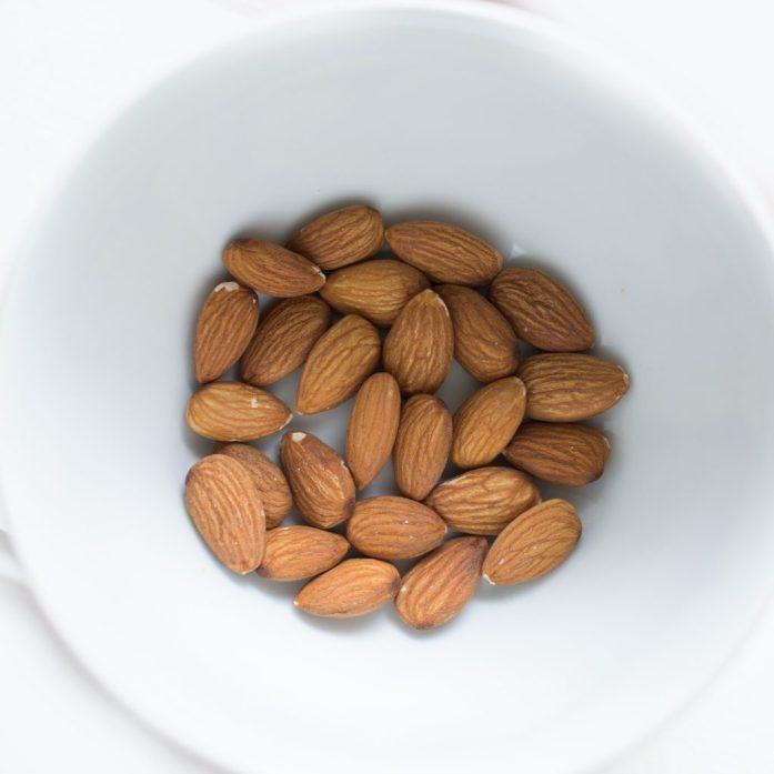 Moisturising sweet almond oil