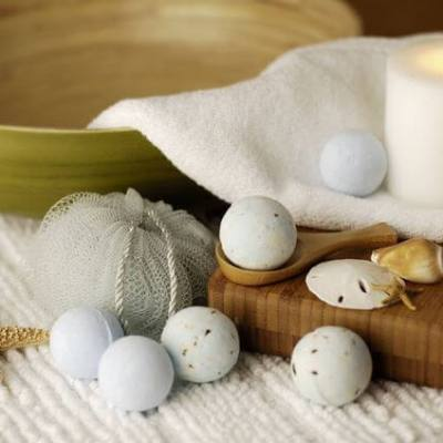A Guide to Making Bath Bombs