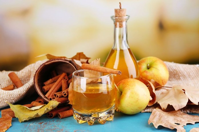 como-usar-vinagre-de-maca-no-rosto 5 benefícios do Vinagre de maçã para pele – Veja, como usar e receita!