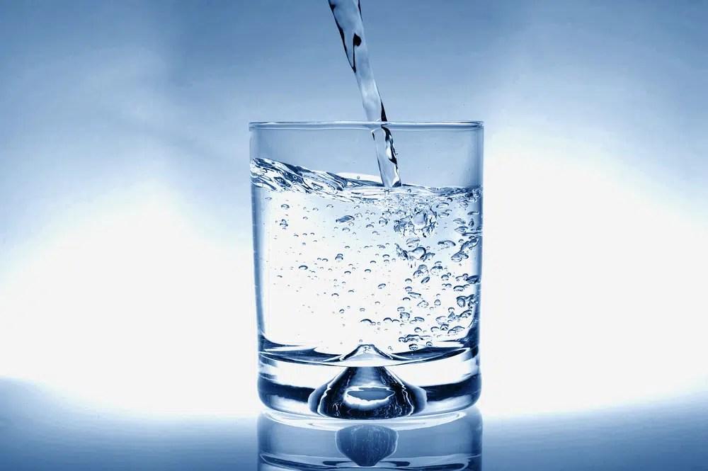 Benefícios impressionantes para a saúde da água potável