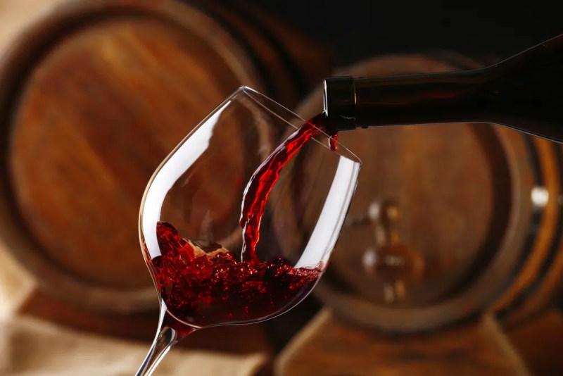 14 Surprising Health Benefits Of Wine