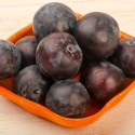 13 Amazing Health Benefits of Plums