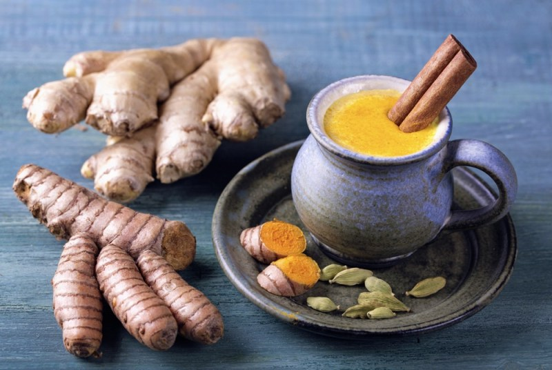 11 Amazing Benefits of Turmeric Ginger Tea