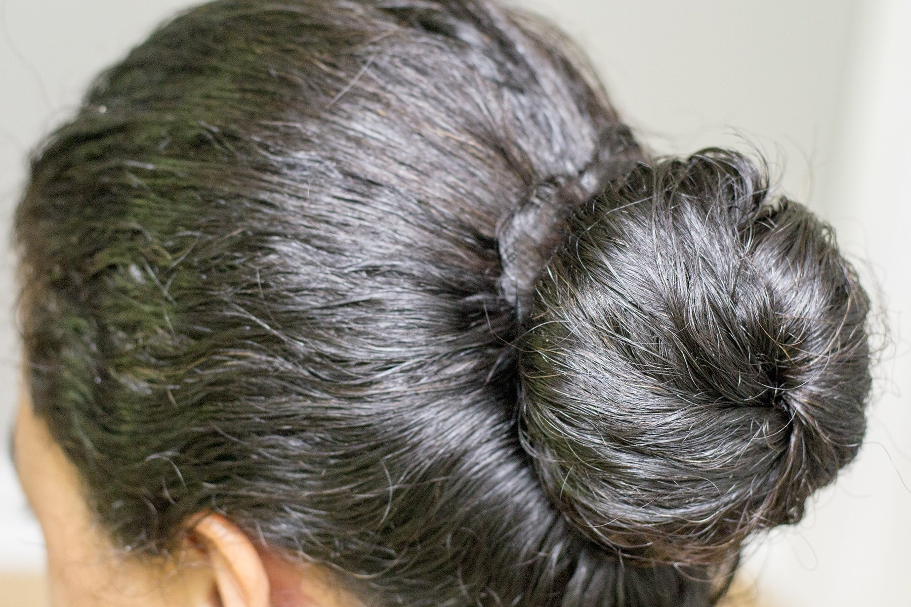 How To Make A Deep Conditioning Coconut Oil Hair Mask