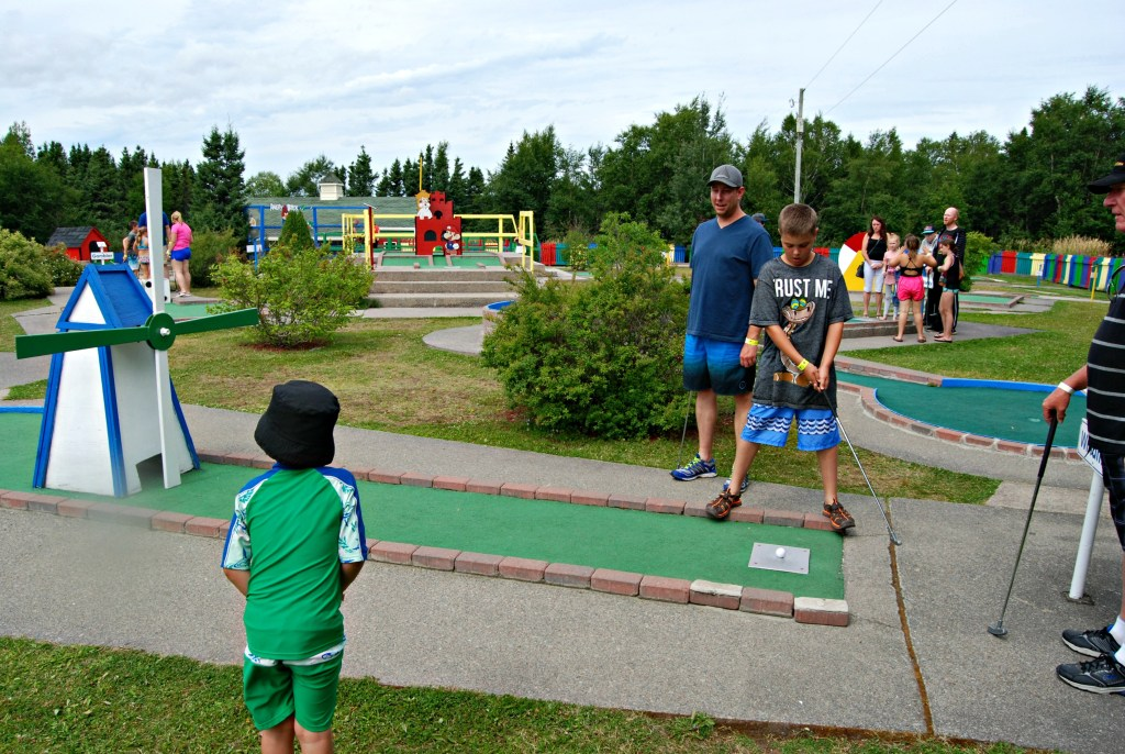 Splash n' Putt Mini-Golf