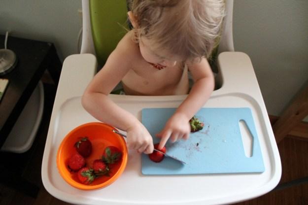 ToddlerStrawberryCutting