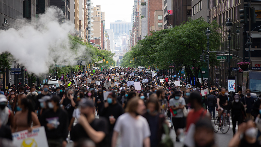 Image: New York Exodus: New Yorkers leaving in droves due to crime, overreaching coronavirus restrictions and high taxes