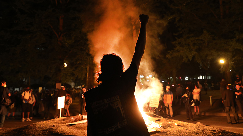 Image: Poll shows Oregon voters disapprove of Portland riots, believe police aren't using enough force to stop them