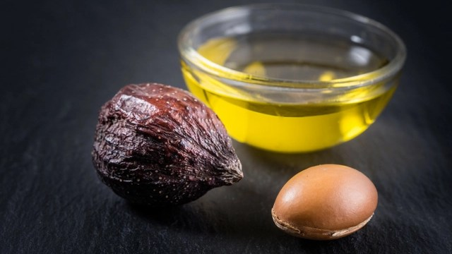5 Ways to Use Argan Oil on Your Hair
