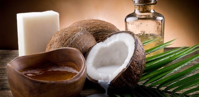 Aceite de coco – 10 usos cosméticos sorprendentes