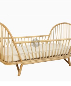 Loly Rattan Baby Cot