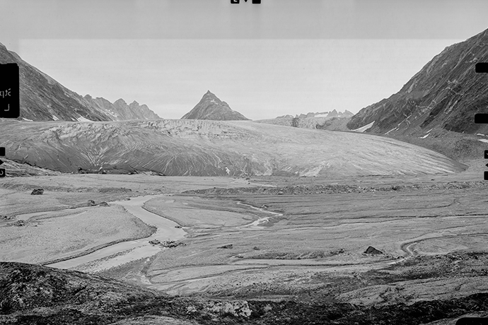 The Tunu Glacier in 1933.