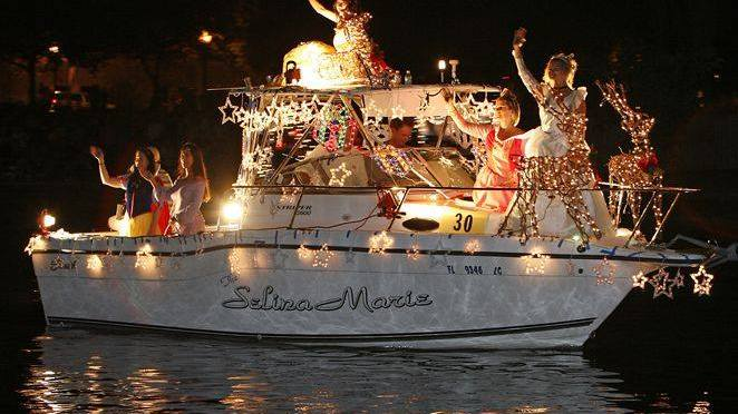 Join the 18th Annual Cotee River Christmas Boat Parade